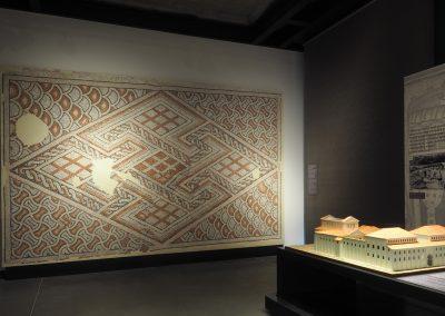 Foto 31: Mosaico dal cosiddetto Palazzo di Teoderico