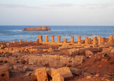 libia-colonne-in-riva-al-mare
