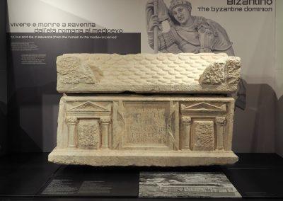 Foto 45b: Sarcofago di Vibio Proto
